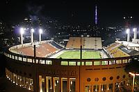 SÃO PAULO, SP, 03/07/2012, TREINO BOCA JUNIORS.<br /> <br />  O time do Boca Juniors fez um treinamento no Pacaembu na noite de ontem (3).<br /> <br />  Luiz Guarnieri/ Brazil Photo Press.
