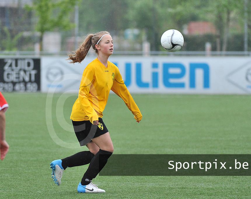 Lierse U16 - Standard de Liege U16 : Stephanie De Jonghe.foto DAVID CATRY / Nikonpro.be
