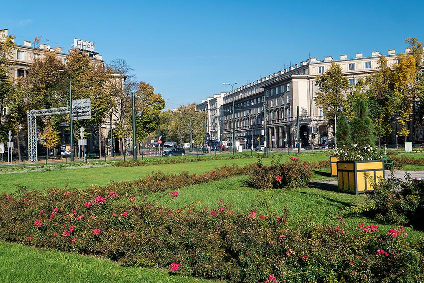Plac Centralny im. Ronalda Reagana w Krakowie -  widok w kierunku Centrum B.