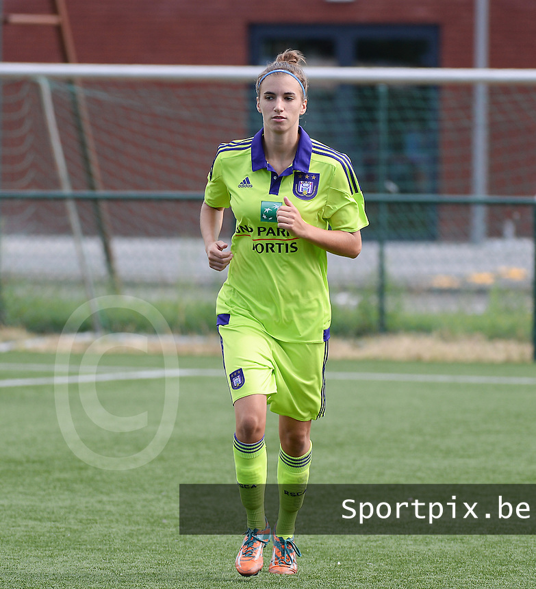 20150808 - ZULTE , BELGIUM : Anderlecht's Justine Blave pictured during a friendly soccer match between the women teams of Zulte-Waregem and RSC Anderlecht  , during the preparations for the 2015-2016 SUPERLEAGUE season, Saturday 8 August 2015 . PHOTO DAVID CATRY