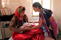Chanchal is a breast-feeding counsellor at the Rajpur Community Health Centre, in a remote part of India's Madhya Pradesh state. She works with new mothers in this tribal district to train them how to breastfeed newborn children and encourages them to keep doing so.<br />