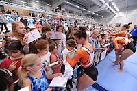 TURNEN: HOOFDDORP: Sportcomplex Koning Willem-Alexander, 03-10-2015, Turninterland als voorbereiding op het WK turnen in Glasgow, het herenturnen een interland tussen Nederland - Belarus, het damesturnen een interland Nederland - Engeland, ©foto Martin de Jong
