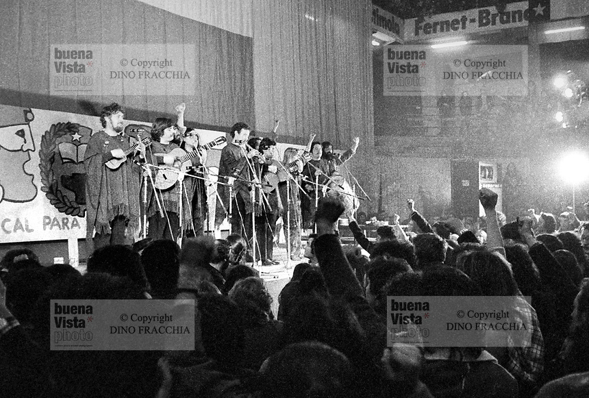 - concert of the Chilean musical group in exile Inti Illimani  (Milan, 1975)....- concerto del gruppo musicale cileno in esilio Inti Illimani (Milano, 1975)