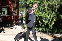 SÃO PAULO, 29.07.2013SP_ Paulo Autuori do São Paulo é visto embarcando no CT da Barra Funda nesta segunda-feira,, 29 no onibus que levará o elenco para o Aeroporto de Cumbica, onde a equipe participará de torneios amistosos em Portugal, Alemanha e Japão (Foto: Adriano Lima / Brazil Photo Press).