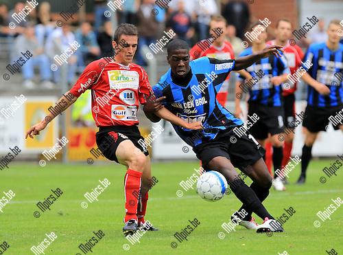 2010-08-15 / Voetbal / Beker van Belgie / seizoen 2010-2011 / Rupel-Boom - KFC Izegem / Frederique Ollivier (L) met Raoul Ngadrira..Foto: mpics