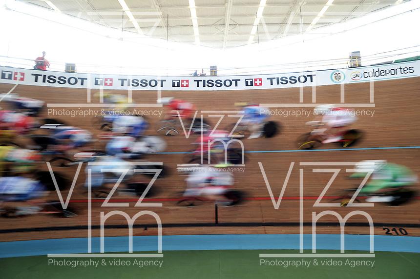 CALI – COLOMBIA – 17-02-2017: Prueba Omnium I, damas,  en el Velodromo Alcides Nieto Patiño, sede de la III Valida de la Copa Mundo UCI de Pista de Cali 2017. / Omnium I Women Race at the Alcides Nieto Patiño Velodrome, home of the III Valid of the World Cup UCI de Cali Track 2017. Photo: VizzorImage / Luis Ramirez / Staff.