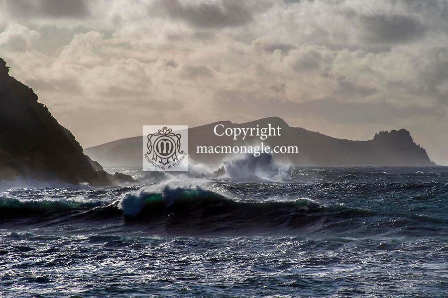 1-3-2020: Waves pound the sea at Clogher Strand, Dingle, County Kerry on Sunday as Storm Jorge passes through with its tailwinds.<br /> Photo: Don MacMonagle