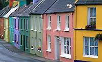 Ireland, County Cork, Eyeries: Colourful terrace houses | Irland, County Cork, Eyeries: bunte Reihenhaeuser
