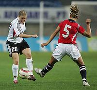 MAR 13, 2006: Faro, Portugal:  Petra Wimbersky,  Siri Nordby