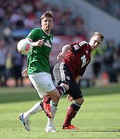 Fussball 1. Bundesliga   Saison  2012/2013   34. Spieltag   1. FC Nuernberg - SV Werder Bremen       18.05.2013 Sebastian Proedl (li, SV Werder Bremen) gegen Sebastian Polter (1. FC Nuernberg)