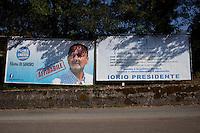 Campobasso: i cartelloni della campagna elettorale di Michle Ioro da dove è scomparso il nome di Berlusconi.
