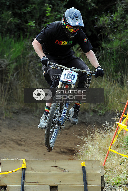 Levin`s Kurt Lancaster during the Top Gun Downhill race Fringed Hill. The Brook, Nelson, New Zealand. Saturday 19 January 2013. Photo: Chris Symes/www.shuttersport.co.nz