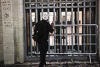 SÃO PAULO,SP,18 JUNHO 2013 - PROTESTO CONTRA AUMENTO TARIFA - Manifestantes depedram predio  da prefeitura durante protesto contra o aumento da tarifa de ônibus para $3,20em São Paulo na noite desta terça- feira (18).FOTO ALE VIANNA - BRAZIL PHOTO PRESS