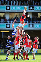 Michael Rhodes of Saracens wins the ball at a lineout. Aviva Premiership match, between Bath Rugby and Saracens on December 3, 2016 at the Recreation Ground in Bath, England. Photo by: Patrick Khachfe / Onside Images