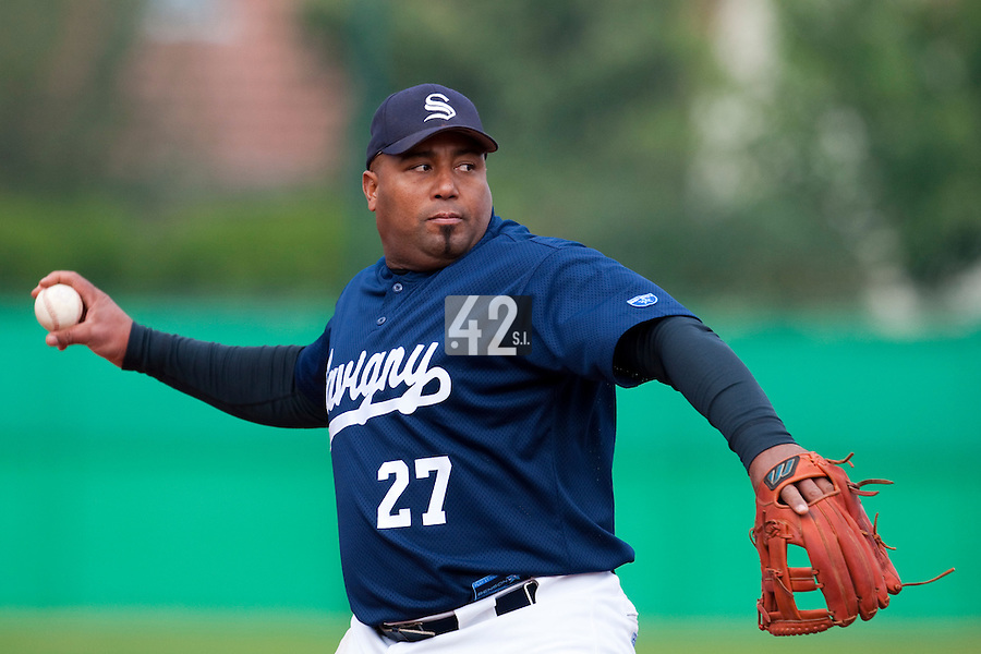 10 october 2009: Carlos Jiminian of Savigny pitches against Rouen during game 4 of the 2009 French Elite Finals won 7-2 by Huskies of Rouen over Lions of Savigny, at Stade Jean Moulin stadium in Savigny sur Orge, near Paris, France. Rouen wins the 2009 France championship, his sixth title.
