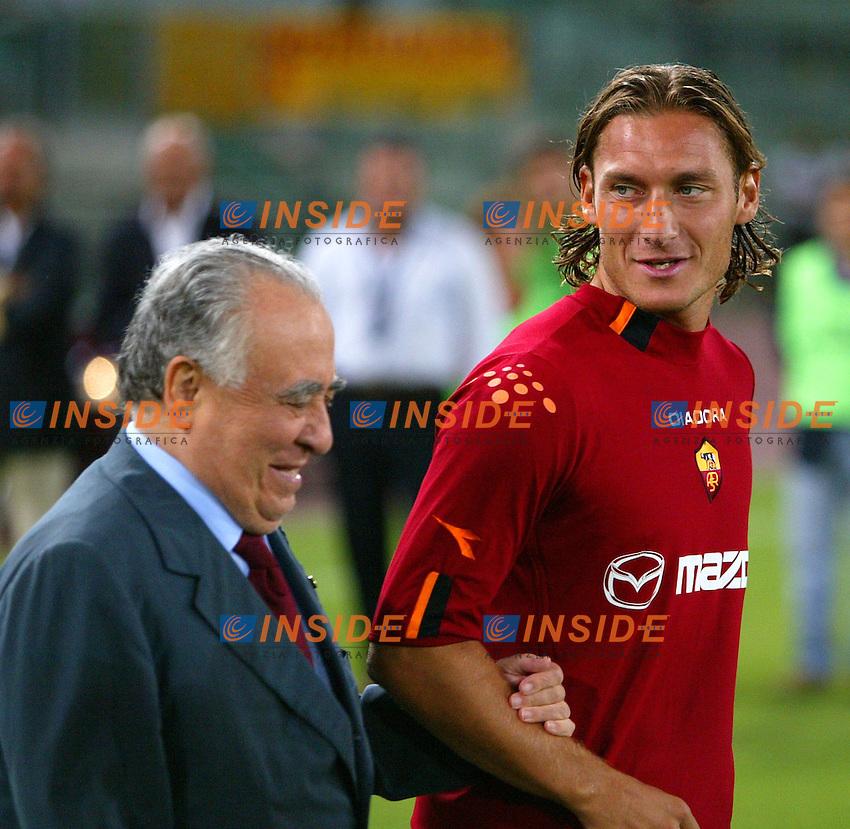 Roma 25/8/2003<br /> Presentazione AS Roma <br /> Francesco Totti  e il presidente Franco Sensi<br /> Foto Staccioli / Insidefoto