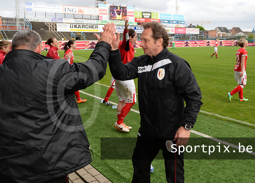 20140510 - BEVEREN , BELGIUM : Standard pictured celebrating their cupwin with coach Patrick Wachel after the final of Belgian cup, a soccer women game between Club Brugge Vrouwen and Standard Femina de Liege , in stadion Freethiel Beveren , Saturday 10 th May 2014 . PHOTO DAVID CATRY