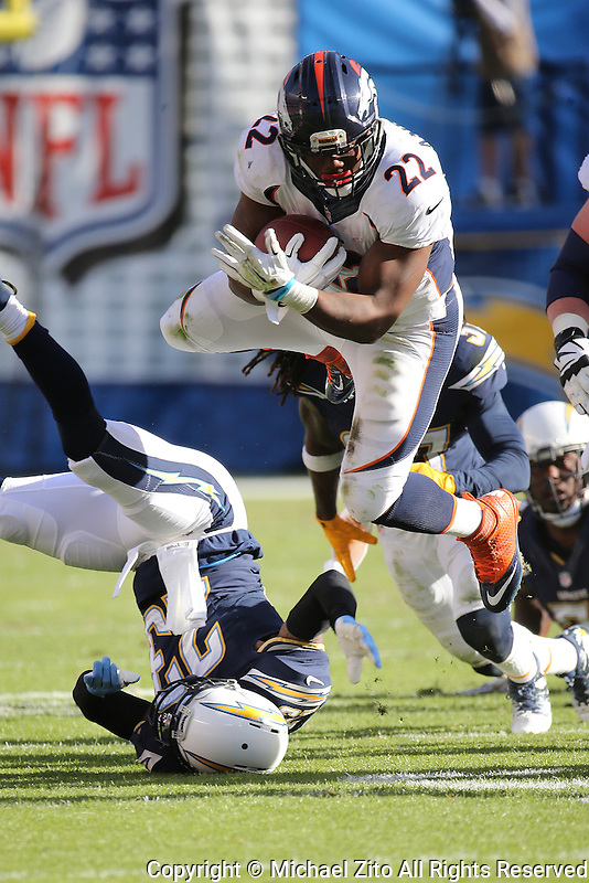 Denver Broncos running back C.J. Anderson #22 during an NFL game between the Denver Broncos and the San Diego Chargers played at Qualcomm Stadium on December 6, 2015. (AP Photo/Michael Zito)