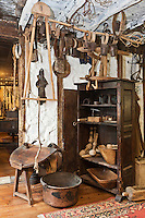 Europe/France/Aquitaine/64/Pyrénées-Atlantiques/Pays-Basque/Isturitz: Musée etnographique Xanxotea -Les objets du berger