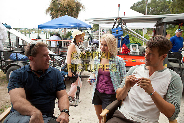 NICHOLAS SPARKS (WRITER), JOSH DUHAMEL & JULIANNE HOUGH.on the set of Safe Haven (2013) .*Filmstill - Editorial Use Only*.CAP/FB.Supplied by Capital Pictures.