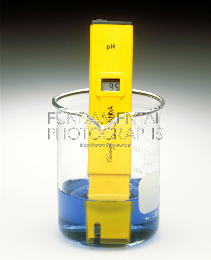 pH METER & INDICATOR: BROMOTHYMOL BLUE pH Range 3.5-9.5 <br /> (2 of 3)<br /> Sodium hypochlorite(aq) has a pH >7. Indicator color is blue.