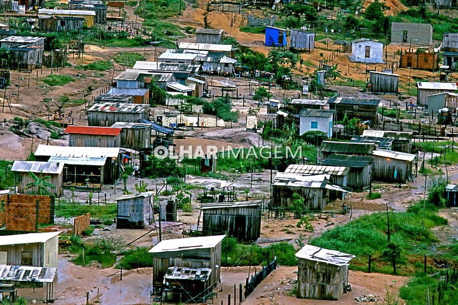 Favela em Manaus, Amazonas. 1998. Foto de Ricardo Azoury.