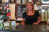 Natalia proprietaria del bar Fratelli Nurzia a l'Aquila. Ha riaperto il locale nel dicembre 2009 - owner of the bar Fratelli Nurzia at l'Aquila. Reopened the local in December 2009. L'Aquila, La Vita - L'Aquila, Life