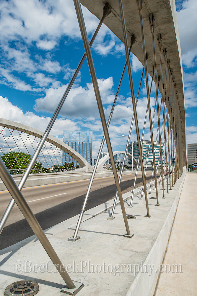 This seventh street bridge in Fort Worth is a very modern design and is a lovely addition to the city. the lines are modern and it has a unique arhitectural design. The 7th street bridge crosses over the trinity river and joins downtown with the university area.