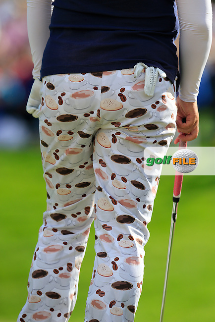 Shanshan Feng (CHN) cookie and coffee trousers on the 18th green during Sunday's Final Round of the LPGA 2015 Evian Championship, held at the Evian Resort Golf Club, Evian les Bains, France. 13th September 2015.<br /> Picture Eoin Clarke | Golffile
