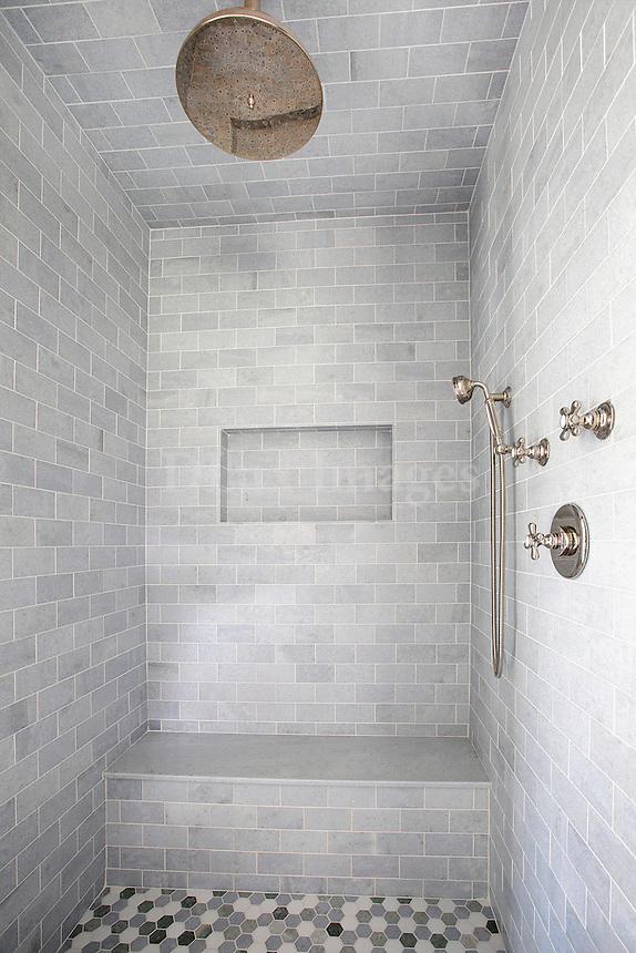 classic minimal shower