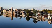 De Zaan in Zaandam. Rechts de oude Verkade fabriek