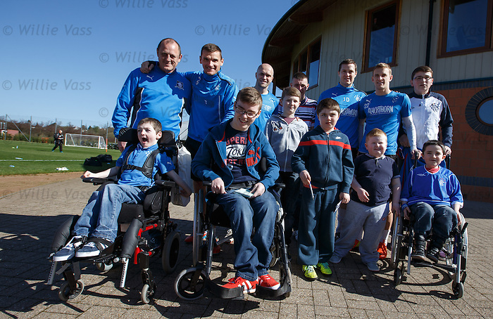 Sons of Struth take some kids along to watch training and meet the players this morning