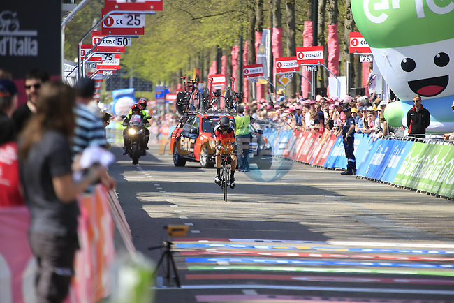 Manuel Senni (ITA) BMC Racing Team approaches the finish line of Stage 1 of the 2016 Giro d'Italia, an individual time trial of 9.8km around Apeldoorn, The Nethrerlands. 6th May 2016.<br /> Picture: Eoin Clarke | Newsfile<br /> <br /> <br /> All photos usage must carry mandatory copyright credit (&copy; Newsfile | Eoin Clarke)