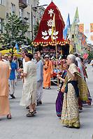Hare Krishna-Jünger in Siauliai, Litauen, Europa