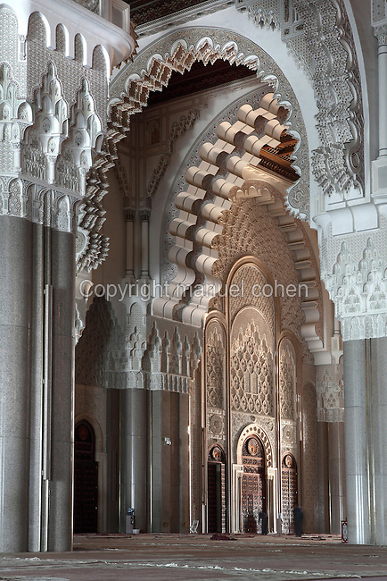 Prayer Hall, Hassan II Mosque or Grande Mosquee Hassan II, 1993, Michel Pinseau (1924-1999), civil engineering group Bouygues, Casablanca, Morocco. Picture by Manuel Cohen. The use of this image may require further clearance / Merci de vous assurer que l'utilisation finale de l'image ne necessite pas d'autorisation supplementaire.