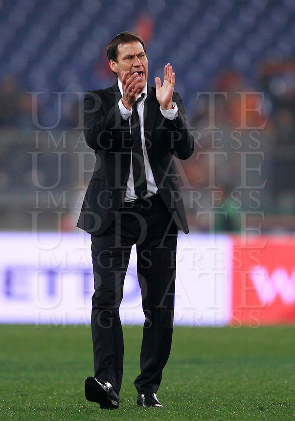 Calcio, Serie A: Roma vs Udinese. Roma, stadio Olimpico, 17 marzo 2014.<br /> AS Roma coach Rudi Garcia, of France applauds to fans at the end of of the Italian Serie A football match between AS Roma and Udinese at Rome's Olympic stadium, 17 March 2014. AS Roma won 3-2.<br /> UPDATE IMAGES PRESS/Isabella Bonotto