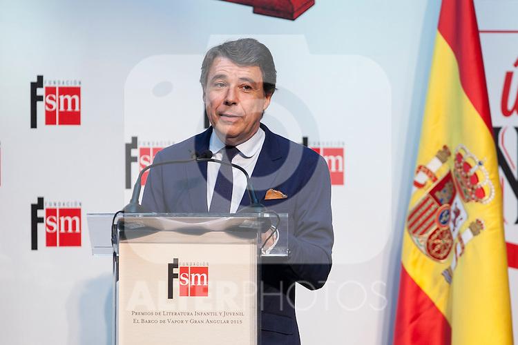 Madrid President Ignacio Gonzalez attends the 'Barco de Vapor' literature awards at the Casa de Correos in Madrid, Spain. April 21, 2015. (ALTERPHOTOS/Victor Blanco)