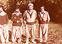 Iraq 1982.In the center, Failak Eddine Kakai, peshmerga in Lolan   Irak 1982 Au centre, Failak Eddine Kakai avec des peshmergas dans le Lolan