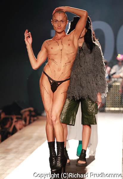 College Lasalle  presents an ambicious fashion performance inspired by the creativity of the emerging and daring Generation Z at the Fashion and Design Festival in Montreal