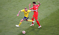 SAMARA - RUSIA, 07-07-2018: John GUIDETTI (Izq) jugador de Suecia disputa el balón con Kyle WALKER (Der) jugador de Inglaterra durante partido de cuartos de final por la Copa Mundial de la FIFA Rusia 2018 jugado en el estadio Samara Arena en Samara, Rusia. / John GUIDETTI (L) player of Sweden fights the ball with Kyle WALKER (R) player of England during match of quarter final for the FIFA World Cup Russia 2018 played at Samara Arena stadium in Samara, Russia. Photo: VizzorImage / Julian Medina / Cont