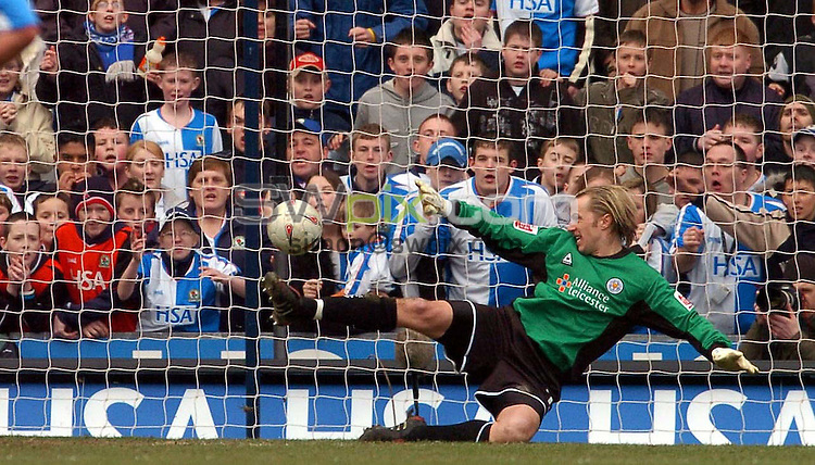 Pix by BEN DUFFY/SWpix.com......FA Cup 6th round Football....Blackburn v Leicester City....13/03/05..Picture Copyright >> Simon Wilkinson >> 07811267706..Blackburn's Paul Dickov scores from the penalty spot past  Leicester's keeper Ian Walker