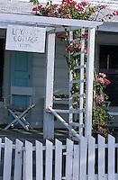 Les Bahamas /Ile d'Eleuthera/Harbour Island/Dunmore Town: détail de la plus ancienne Maison coloniale du front de mer du village