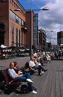 Norwegen, Oslo, Zentrum Aker Brygge, auf der Promenade
