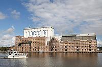 Nederland Wormer 2015. Lassie fabriek aan de Zaan. In 1954 introduceerde de al sinds 1894 in Wormer gevestigde Koninklijke stoomrijstpellerij Mercurius rijst onder de merknaam Lassie op de Nederlandse markt. Fot Berlinda van Dam / Hollandse hoogte