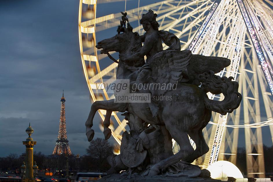 Europe/France/Ile-de-France/75001/Paris: Statue équestre de Coysevox  dans le Jardin des Tuileries et   Grande roue, Place de la Concorde  en fond la Tour Eiffel