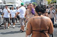 SAO PAULO, SP, 05 MARÇO DE 2012 - CAMP. PAULISTA - SANOTOS X CORINTHIANS -Torcedores do Santos chega na vila Belmiro para assistir o classico . (FOTO: ADRIANO LIMA - BRAZIL PHOTO PRESS)