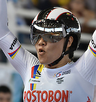 CALI – COLOMBIA – 19-02-2017: Martha Bayona de Colombia, gana medalla de plata en la prueba Keirin Damas en el Velodromo Alcides Nieto Patiño, sede de la III Valida de la Copa Mundo UCI de Pista de Cali 2017. / Martha Bayona, from Colombia, the silver medal in the Keirin Women Race at the Alcides Nieto Patiño Velodrome, home of the III Valid of the World Cup UCI de Cali Track 2017. Photo: VizzorImage / Luis Ramirez / Staff.