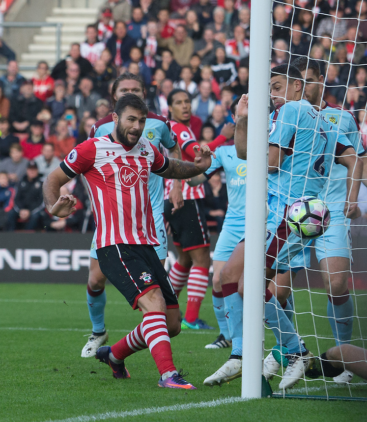 Southampton's Charlie Austin pokes the ball home<br /> <br /> Photographer James Williamson/CameraSport<br /> <br /> The Premier League - Southampton v Burnley - Sunday 16th October 2016 - St Mary's Stadium - Southampton<br /> <br /> World Copyright &copy; 2016 CameraSport. All rights reserved. 43 Linden Ave. Countesthorpe. Leicester. England. LE8 5PG - Tel: +44 (0) 116 277 4147 - admin@camerasport.com - www.camerasport.com