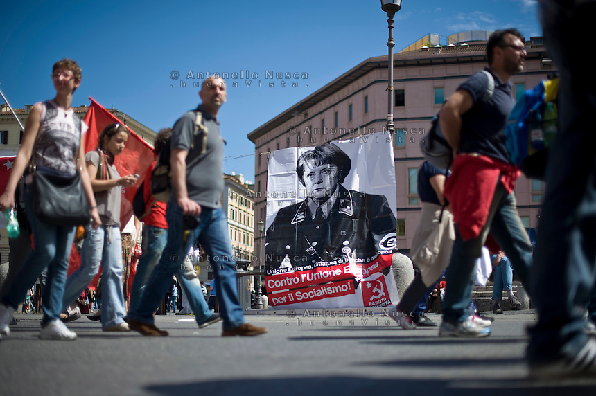 Roma, 18 Maggio 2013. Manifestazione nazionale della Fiom..Demonstrators gather in Rome during the left-wing Italian metalworkers' union FIOM rally.