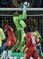 BOGOTA - COLOMBIA, 03-06-2019: Alvaro Montero arquero de Colombia en acción durante partido amistoso entre Colombia y Panamá jugado en el estadio El Campín en Bogotá, Colombia. / Alvaro Montero, goalkeeper of Colombia, in action during a friendly match between Colombia and Panama played at Estadio El Campin in Bogota, Colombia. Photo: VizzorImage/ Gabriel Aponte / Staff